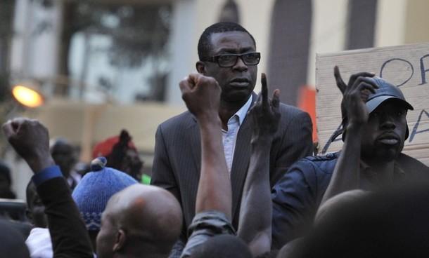Sénégal: nouveaux incidents à Dakar, Youssou Ndour blessé lors d'échauffourées