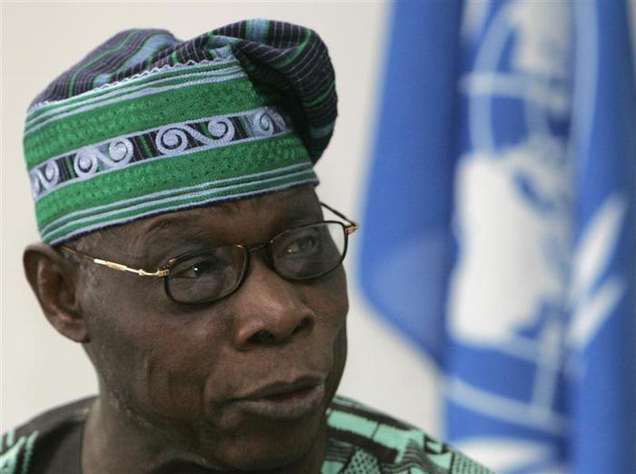 """Olusegun Obasanjo: """"nous ne devons pas le laisser se diriger vers le précipice de la violence"""""""