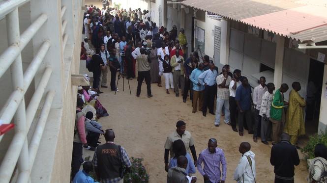 Photo-Reportage : Atmosphère du centre de vote du président de la République Me Abdoulaye Wade.