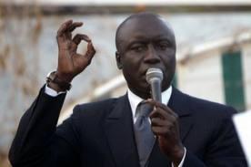 """Direct - Présidentielle 2012 : Idrissa Seck demande l'élimination """"de la candidature hors la loi"""" (AUDIO)"""