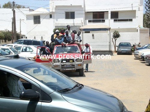 Direct Présidentielle 2012: 600 électeurs seraient transportés à bord de Ndiaga Ndiaye pour Point E