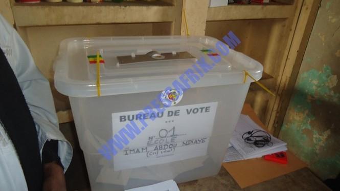 Direct - Présidentielle 2012: Déroulement tranquille du scrutin à Saint louis