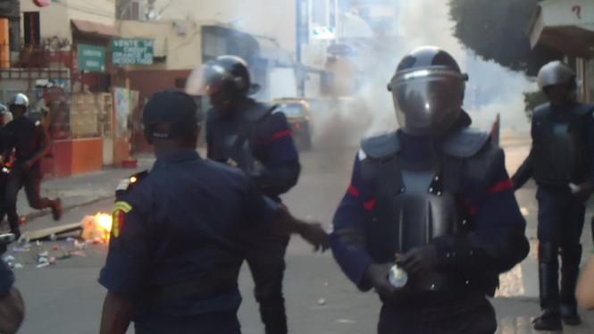 Direct Sénégal - Présidentielle 2012: 200 nervis arrêtés à Rufisque