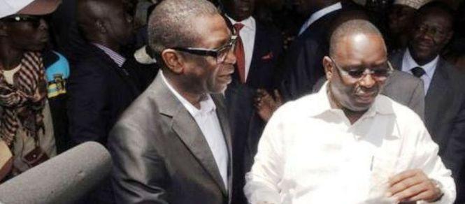 """Second tour de la Présidentielle 2012 : Youssou Ndour """"chante"""" pour Macky Sall"""