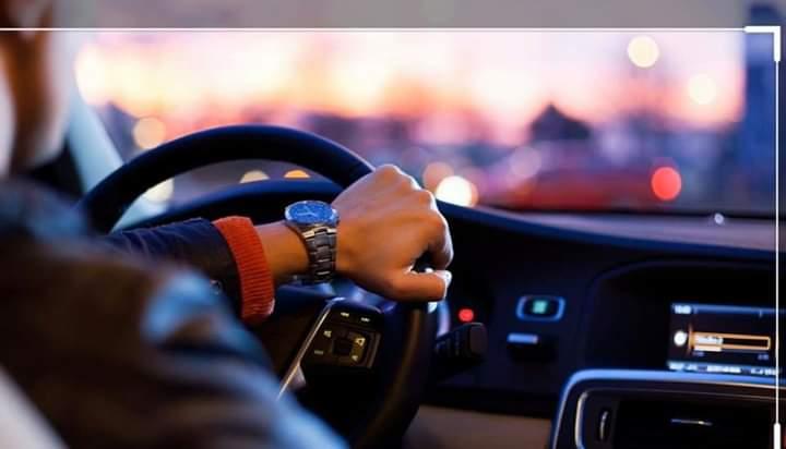 L'abandon de véhicule à une personne non titulaire de permis est un délit passible de 2 ans d'emprisonnement