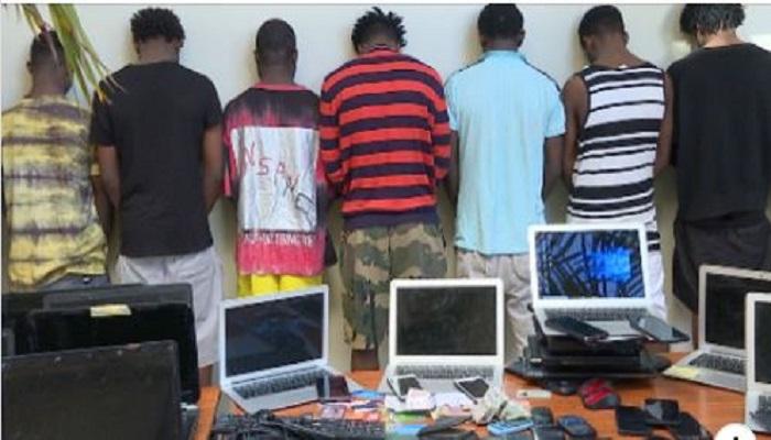 Sénégal : 50 présumés cybercriminels nigérians placés sous mandat de dépôt