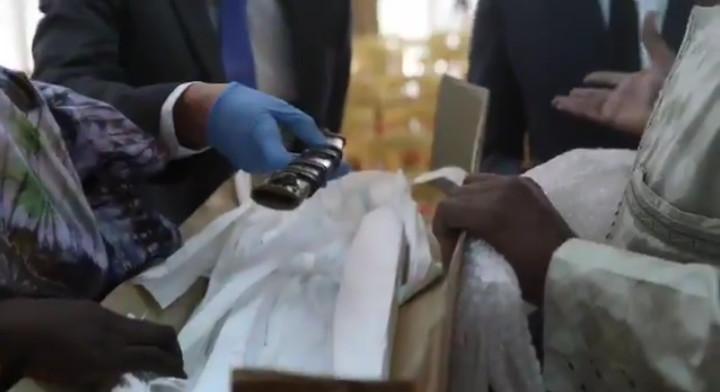 Macky Sall dit se réjouir de la restitution historique du sabre de Elhadji Omar Tall