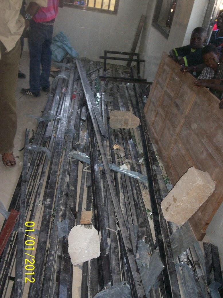 PHOTOS Attaque du cortège de Macky Sall: le domicile et les partisans d'Ameth Fall Braya font sévèrement les frais