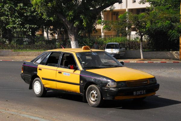 Le client prend les 45 000 FCFA du taximan et file dans la nature