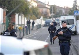 Tueries en France: un suspect cerné par le RAID