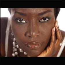 Coup d'Etat au Mali : La chanteuse Coumba Gawlo Seck coincée à Bamako