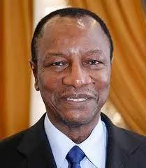 Alpha Condé félicite Macky Sall pour sa brillante élection à la magistrature suprême du Sénégal