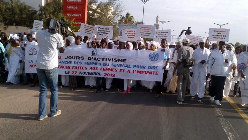 Dakar : des jeunes filles et garçons marchent samedi pour dire Non aux violences faites aux femmes