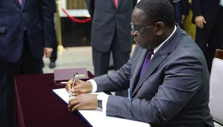 Le Président Macky Sall met fin à la grève des travailleurs de la SDE: il signe un décret pour réquisitionner tout le personnel