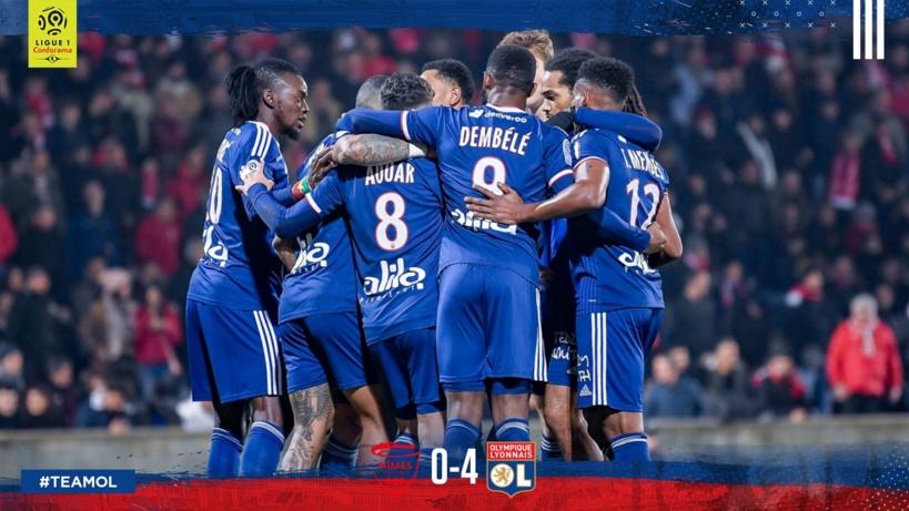 #Ligue1 - Lyon se relance en corrigeant Nîmes (4-0)
