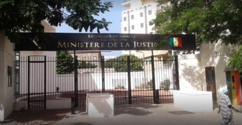 Saint-Louis: les commerçants assiègent le tribunal pour exiger la libération du président de leur regroupement