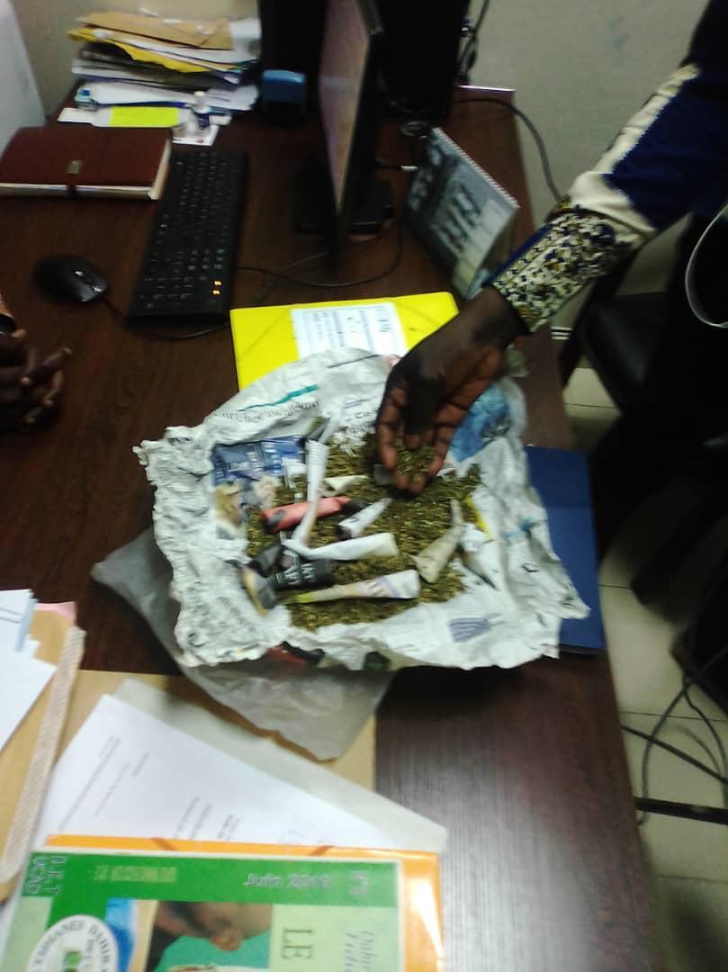 Un agent du COUD arrêté parce qu'il fournissait du chanvre indien aux étudiants