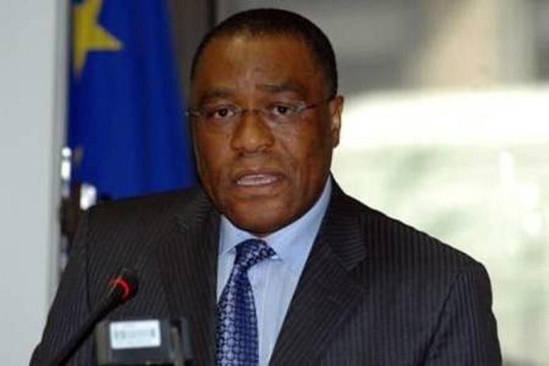 """Crise de l'Euro / Albert Ondo Ossa : """"Le franc CFA court le risque d'une nouvelle dévaluation''"""