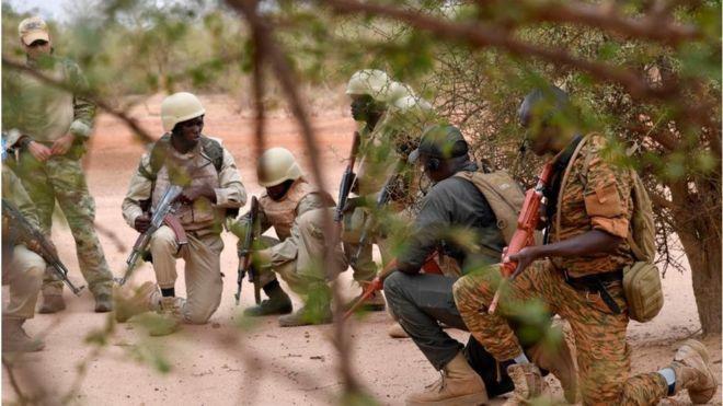 """Une """"base logistique terroriste"""" découverte au Burkina"""