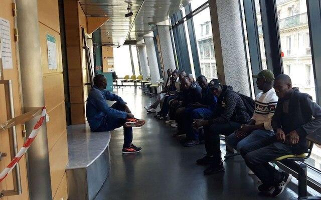 Paris : 25 ouvriers maliens obtiennent 1 million d'euros de leur employeur condamné pour discrimination raciale