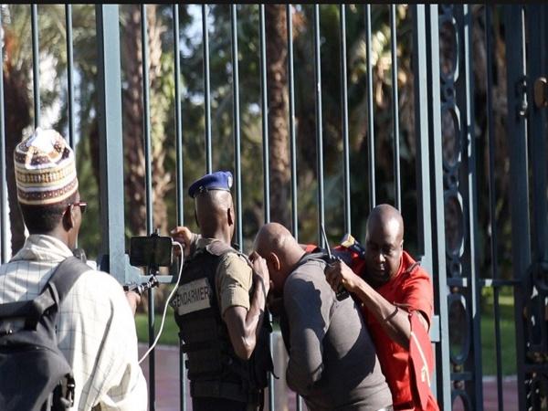URGENT - Dr Babacar Diop et 4 autres personnes libérés, Guy Marius et 2 autres restent en prison