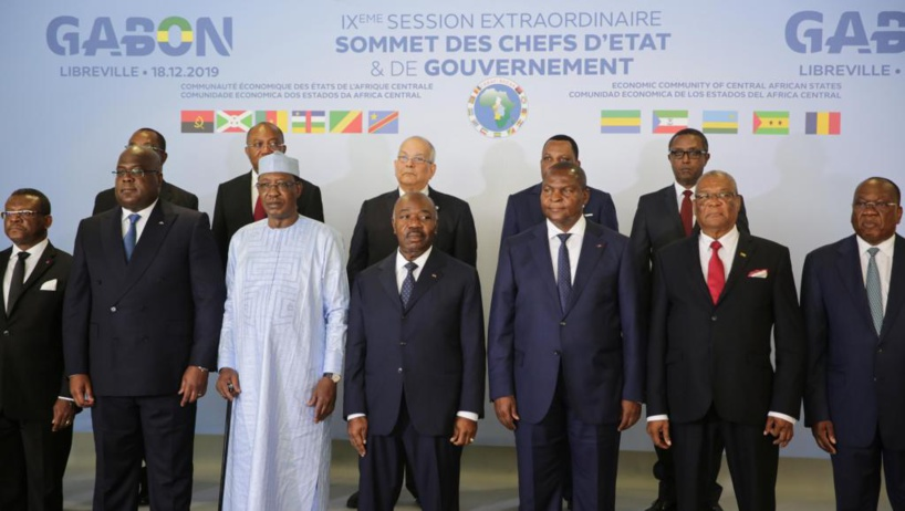 Gabon: polémique sur la signature d'Ali Bongo lors du sommet de la CEEAC