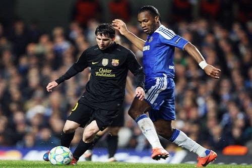 Direct Ligue des champions: démarrage du match Barcelone vs Chelsea - Messi pousse