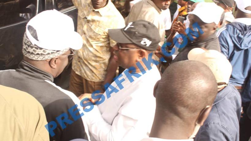 """Journée nationale du nettoiement: Macky Sall salue la """"forte mobilisation"""" des Sénégalais"""