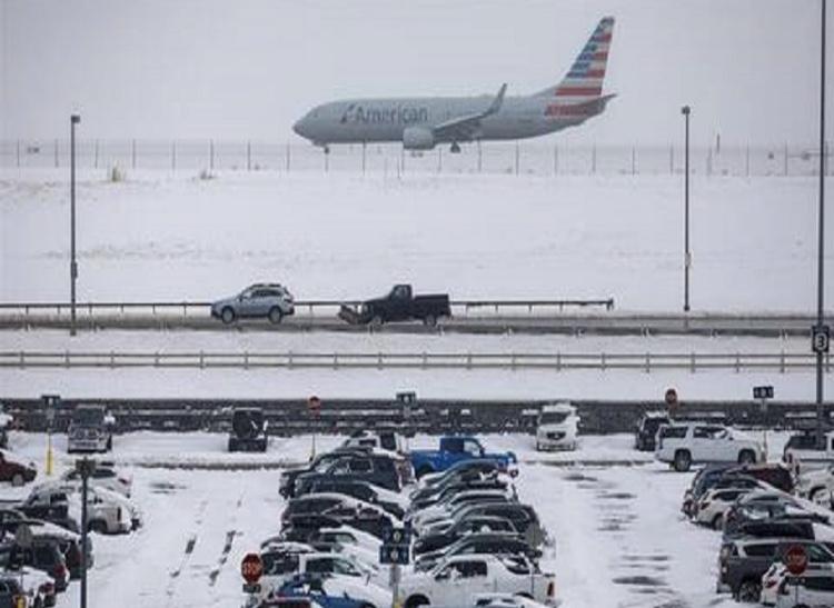 USA-Une tempête hivernale fait 10 morts, un millier de vols annulés