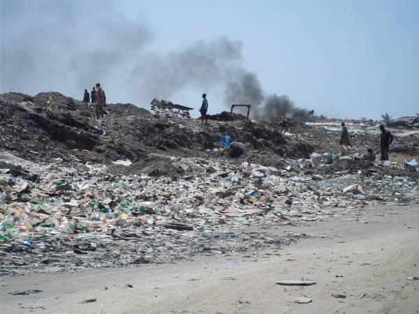 Incendie à la décharge de Mbeubeuss : le collectif « mbeubeuss Dafa Doy » indexé