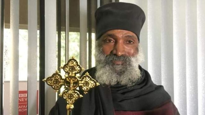 Un prêtre éthiopien construit une église et une mosquée