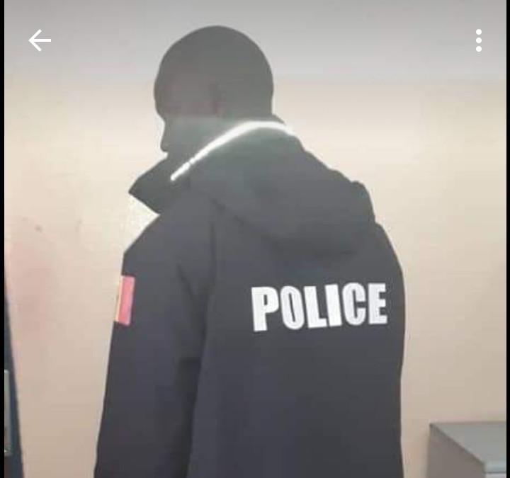 """Dakar: Un faux policier arrêté pour """"usurpation de fonction"""""""