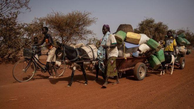 Crise au Sahel : le Burkina Faso va armer des civils contre les militants