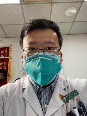 """Le coronavirus """"tue le médecin chinois Li Wenliang lanceur d'alertes sur le virus"""""""