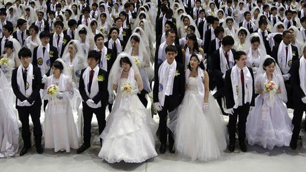 A Séoul, 6.000 jeunes couples mariés ce vendredi