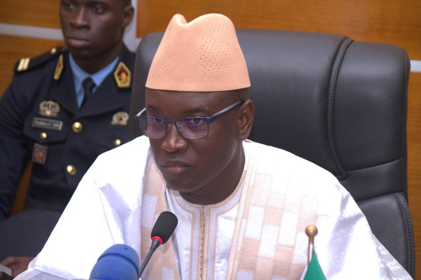 Aly Ngouille Ndiaye annonce la construction de 6 commissariats de police dans la banlieue dakaroise