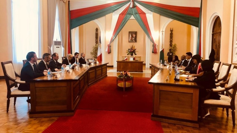 À Madagascar, Le Drian annonce la contribution de la France au Plan Émergence
