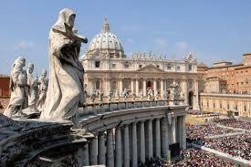 Vatican : Fuites, arrestation et démission déchirent le silence feutré