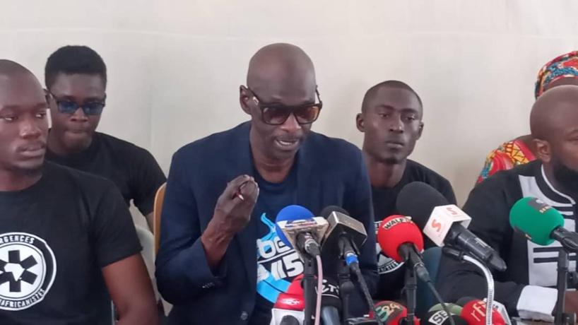 Arrêté à l'AIBD, Kémi Séba met en garde le commissaire Faye et son boss (avocat)