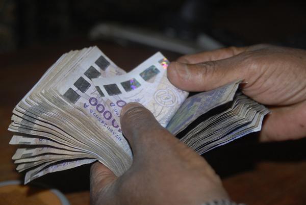 Le Président Macky Sall veut des sous, encore des sous et des sous