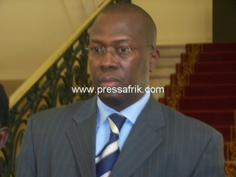 Voyage de Wade à Paris: Ses accompagnateurs l'ancien PM et d'autres ex-ministres interdits d'accès au salon d'honneur