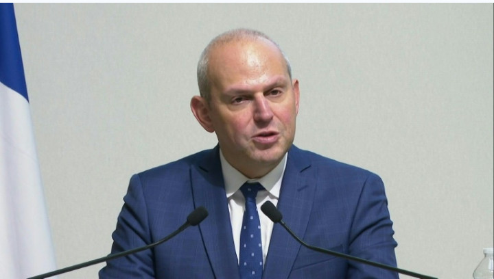 Coronavirus: le ministre français de la Culture contaminé, au moins 25 morts