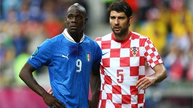 Euro 2012-Croitie vs Itralie: Jets de bananes vers Balotelli