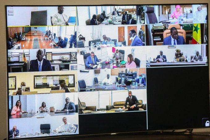 Macky Sall informe que le Conseil des ministres se fera par visioconférence jusqu'à la fin de la pandémie de covid-19