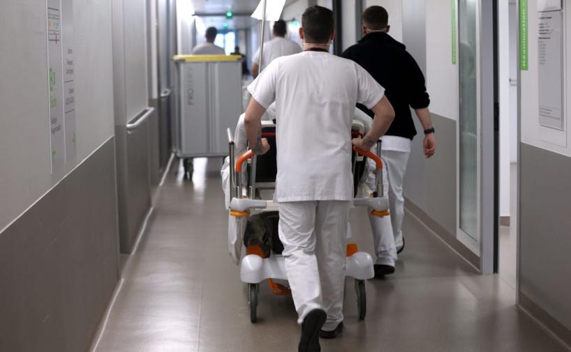 Coronavirus : 471 nouveaux décès en 24 h en France, 4 503 au total