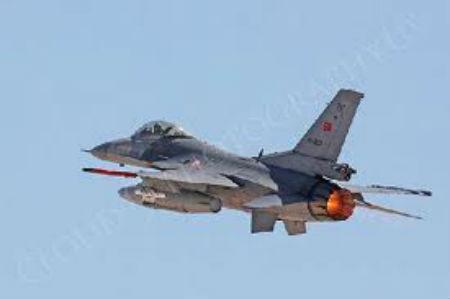 Turquie: l'avion de combat abattu par la Syrie volait dans l'espace aérien international