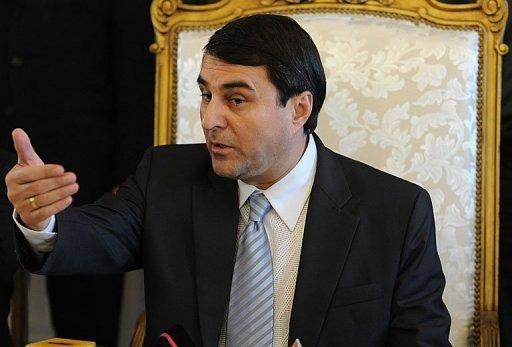 Le nouveau président du Paraguay tente de justifier son arrivée surprise au pouvoir