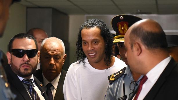 Officiel : Ronaldinho est sorti de prison