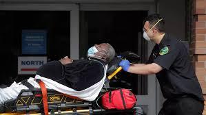 Coronavirus : près de 2 000 morts en 24 heures aux États-Unis, lueur d'espoir à New York