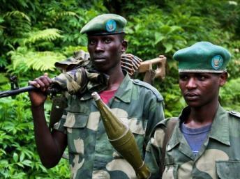 Deux soldats du M23 opérant au Nord-Kivu, le 3 juin 2012. Photo AFP/Mélanie Gouby